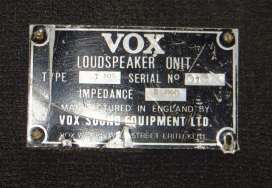 Vox Sound Equipment Limited T100 2x15 inch bass speaker cabinet