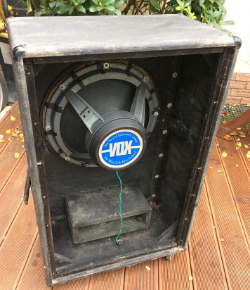 Vox Sound Equipment Limited Super Foundation Bass cab, single speaker